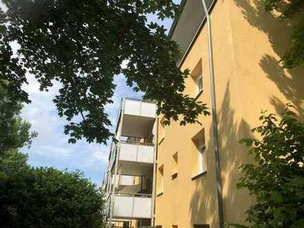 helle Maisonette mit schöner Dachterrasse, solide vermietet