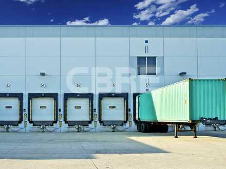 Lager- oder Produktionshalle in zentraler Lage mit Rampen und ebenerdiger Andienung