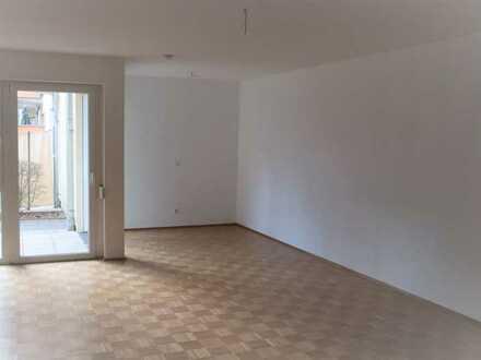 Stilvolle, geräumige und gepflegte 1-Zimmer-Wohnung mit Balkon und Einbauküche in Ingolstadt