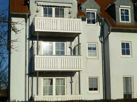 Vollständig renovierte 3-Zimmer-Wohnung mit Balkon und Einbauküche in Bad Staffelstein