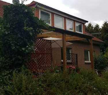 *1- 2 Fam.- Haus mit großem Grundstück*Doppelgarage*185 qm WF*Ruhige Lage*15Km von Göttingen*