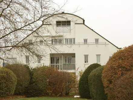 Sehr ruhige Südlage mit herrlichem Blick zum Olympiapark: 3-Zi-Penthouse-Wohnung mit TOP-Ausstattung