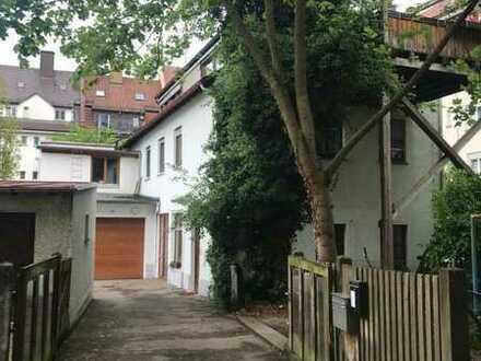 Wohnhaus mit Werkstatt und tollem Grundstück mitten in der City