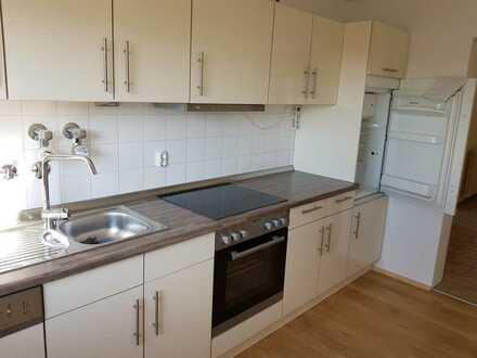 Gepflegte 3,5-Zimmer-Wohnung mit Balkon und Einbauküche in Vaihingen/Kleinglattbach