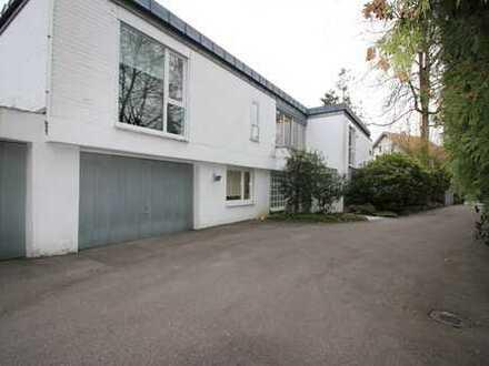 Schönes, geräumiges Haus mit vier Zimmern in Stuttgart, Degerloch