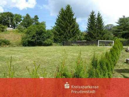 Sonnig gelegenes Baugrundstück mit schöner Aussicht in Dornstetten-Aach