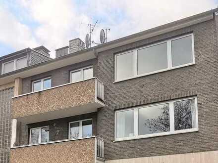 Bickendorf-ruhige Lage: Modernisierte 4-Zimmerwohnung im 2. OG! Inkl. Westloggia, Ostbalkon &Garage!