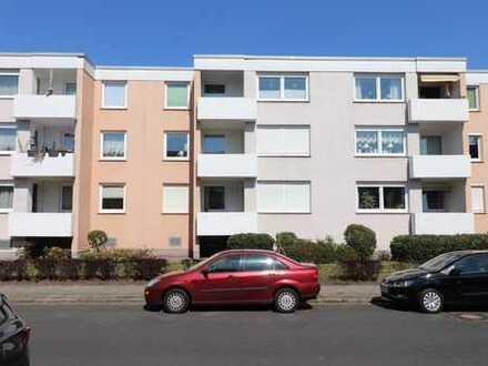 Gepflegte 3-Zimmer-DG-Wohnung mit Balkon und Einbauküche in Bremen