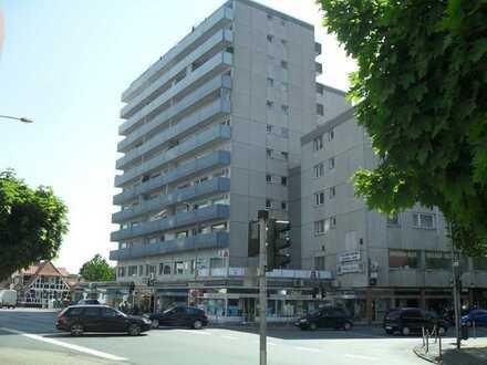 Geräumige und gepflegte 1-Zimmer-Wohnung mit Balkon und EBK in Langen (Hessen)