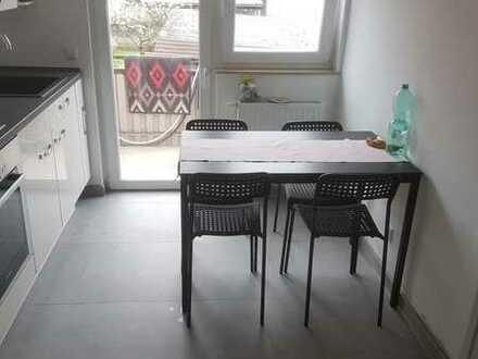 Schönes, helles Zimmer in einer 4er WG am Neckar