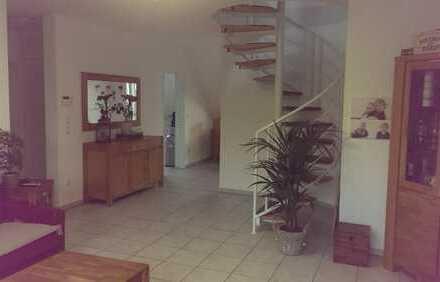 attraktive 3 Zimmer Maisonette Wohnung