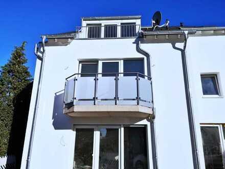 Großzügige Neubau Maisonette Wohnung mit Balkon und Stellplatz