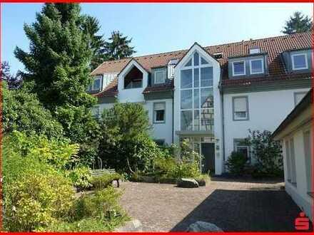 Schöne Dachgeschossmaisonette Wohnung mit Blick ins Grüne