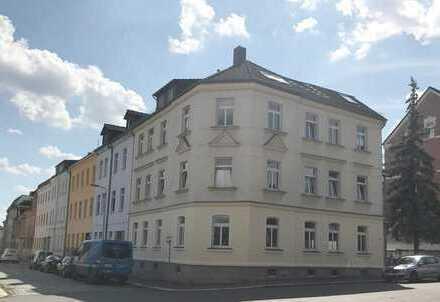 Großzügige 3-Raum-Whg. mit Balkon im 1. OG, Kü.+Bad mit Fenster, PKW-Stellplatz, frei ab 01.03.2018