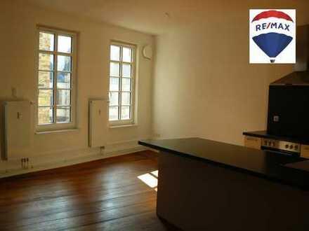 3ZKB Wohnung zur Miete in denkmalgeschütztem Haus