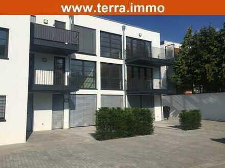 Neuwertige 2 Zimmer-Wohnung mit Ankleidezimmer und Balkon!