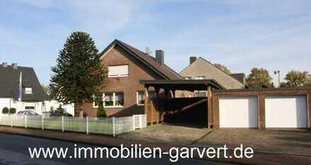 Platz für die Familie! Einfamilienhaus mit Garten, Doppelgarage und Carport in ruhiger Lage in Rhade