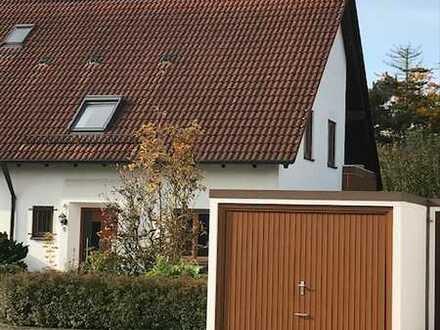 Erstbezug nach Sanierung: freundliche 4-Zimmer-Doppelhaushälfte mit EBK in Illertissen, Illertissen