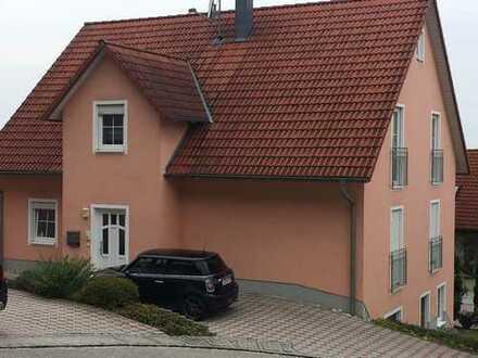 Schöne, geräumige zwei Zimmer Wohnung in Bruck in der Oberpfalz, Kreis Schwandorf
