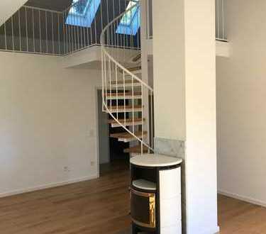 Galeriewohnung, Kamin, Sonnenbalkon, neu renoviert, ohne Provision