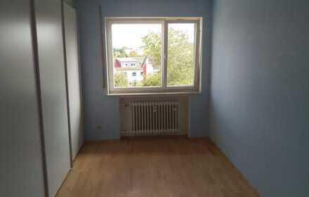Sanierte 4-Raum-Wohnung mit Balkon und Einbauküche in Biberach an der Riß