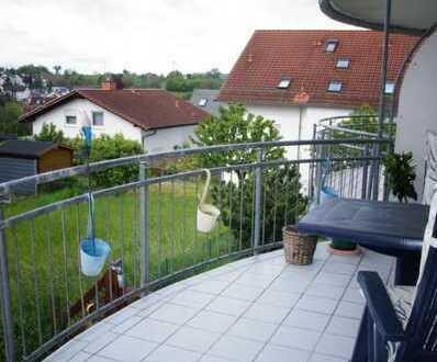 Helle 2 ZKB mit Balkon in ruhiger Wohnlage