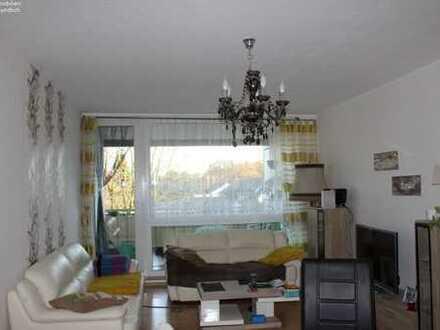 *Kapitalanlage! Schön helle und geräumige, vermietete 3-Zimmer–Wohnung mit großer Loggia!*
