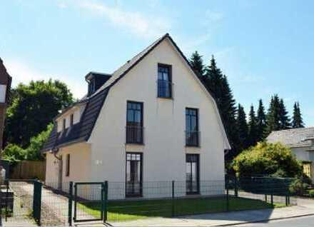 SOLLER - Immobilien 3 Zimmer Wohnung in einem gepflegten 3 Familienhaus