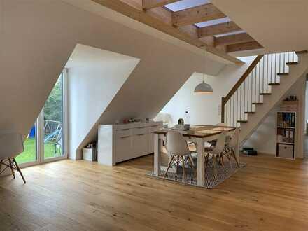 Moderne 4 Zimmer Dachgeschoss-Wohnung im Würmtal