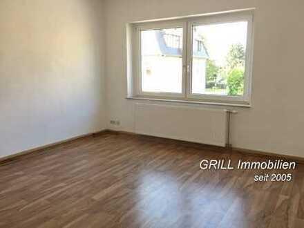 4-Raum-Maisonette-Wohnung im DG (2.OG) in Lugau, Bad mit Wanne, Stellplatz im Hof, großer Garten
