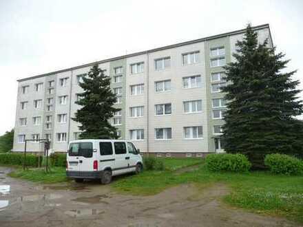 Freundliche 3-Raum-Wohnung mit Balkon und Stellplatz