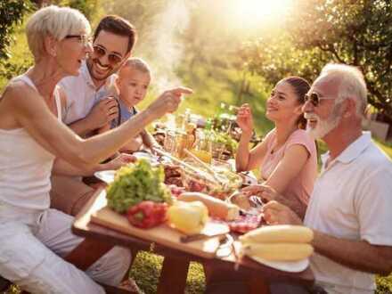Generationen-Wohnen Zusammen weniger allein.