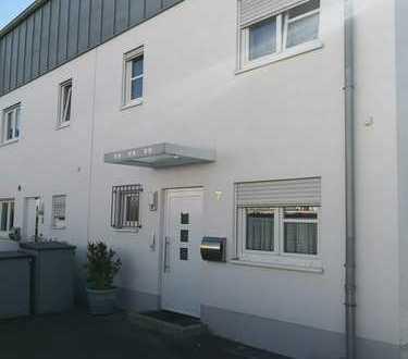 Sehr zentral gelegene Doppelhaushälfte in Koblenz Rauental provisionsfrei