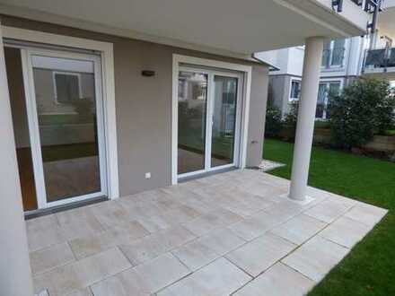 Luxuriöse 3 ZKB EG-Wohnung mit Terrasse, Garten und Gartenhaus