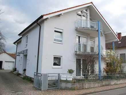 Schöne Doppelhaushälfte in Landau-Nußdorf