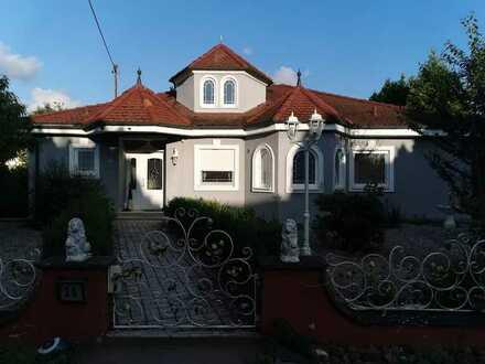 Wunderschönes, freihstehendes Einfamilienhaus mit großem Garten