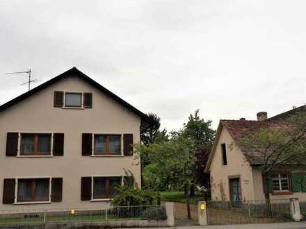 Großzügiges, renovierungsbedürftiges Ein-/Zweifamilienhaus mit großzügigem Grundstücksareal