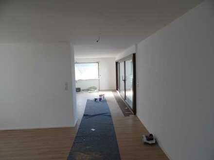 Schöne fünf Zimmer Wohnung mit Garten in Ravensburg Obereschach
