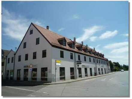 Große Ladenflächen mit ca. 291 m² im EG und ca. 132 m² im KG, Innen verbunden