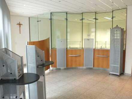 Bestens gepflegte Büro- / Praxisfläche, Baujahr 1997, für Ihre Ideen...