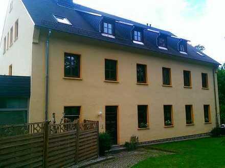 sehr großzügige 4-Raum-Wohnung in idyllischer Lage mit Balkon