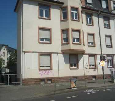Ffm-Eschersheimer Landstr. / Weißer Stein, 4 Zimmer, Küche, Bad, Balkon