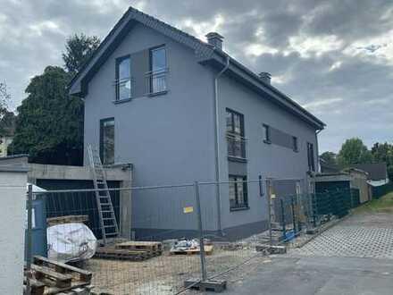 Schönes, geräumiges Haus mit vier Zimmern in Rheinisch-Bergischer Kreis, Leichlingen (Rheinland)