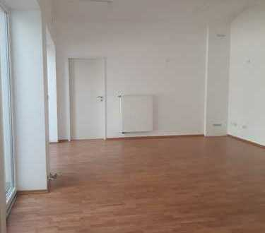renovierte Büro / Praxisfläche im Hinterhaus