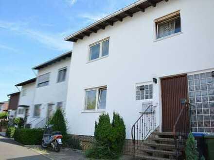 Gut geschnittenes Reihenmittelhaus mit schönem Garten in citynaher Lage von Landau