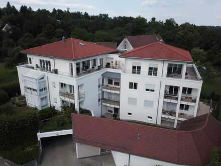 Stilvolles Penthouse mit sonnenverwöhnter, umlaufender Terrasse in Biberacher Zentrumsnähe