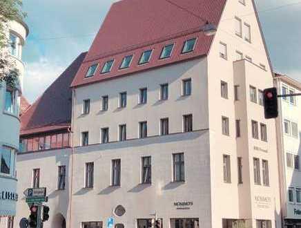 Zentrale 4-Zimmer Wohnung in generalsaniertem und denkmalgeschütztem Haus