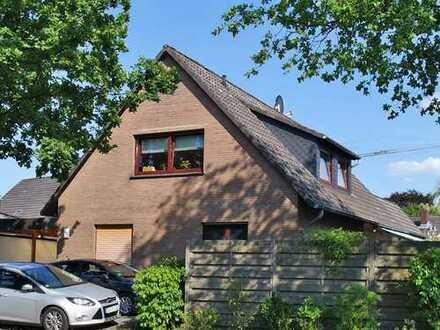 Gepflegtes Einfamilienhaus mit Einliegerwohnung und Garage - MAKLERTEAM-NORD