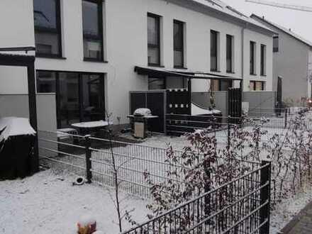 Reihenhaus in FRANKLIN mit fünf Zimmern und Einbauküche