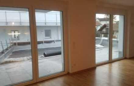 Erstbezug mit EBK und Terasse: stilvolle 3-Zimmer-Wohnung in Traunstein